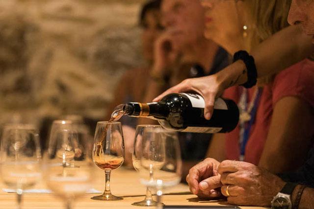 Ly phục vụ Port wine