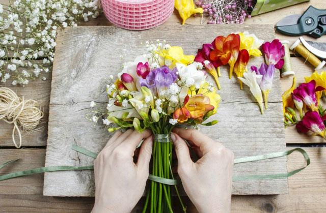 Florist Là Gì? Công Việc Của Nhân Viên Florist Trong Nhà Hàng Khách Sạn